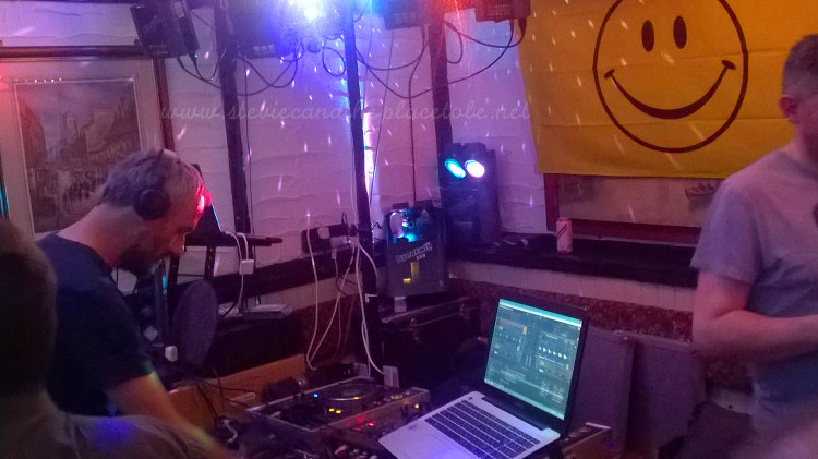 Dundee Dance Event 2016 in The Salty Dog - DJ Mark Agacan playing on turntables and laptop software