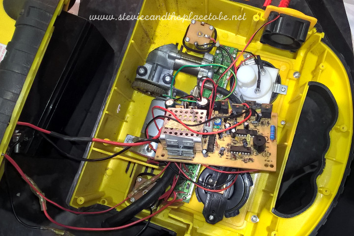 Diagnosing and repairing a blown power inverter circuit in an all-in-one car accessory kit.