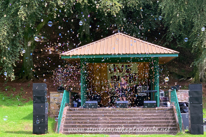 Stevie C helping DD8 Music (Kirriemuir) with Live in the Den 2019; bubble machines on hire from AML Events (AM Lighting) with PA hire supplied by audiowave.co.uk